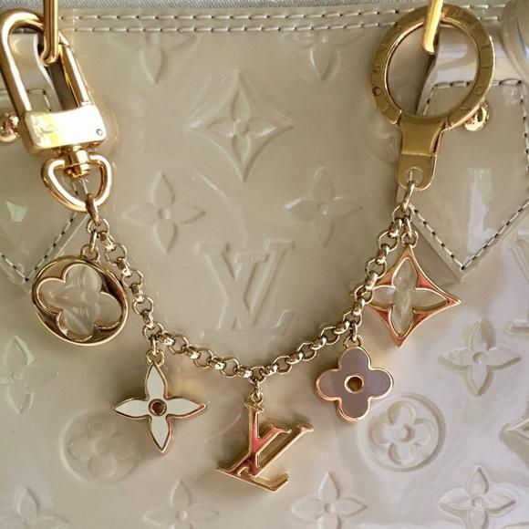 87d0f732f4c6 Louis Vuitton Accessories - Louis Vuitton Fleur de Monogram bag charm